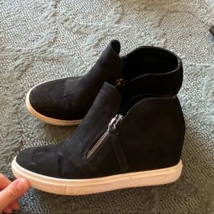 Madden Girl size 7 black high top sneakers
